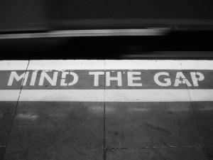 mind-the-gap-1484157-640x480